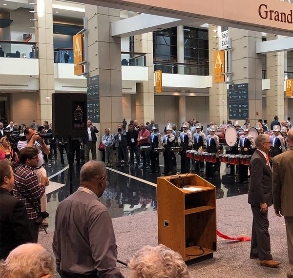 0_processexpo19-ribbon-cutting
