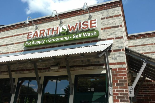 EarthWise pet specialty stores merging with Pet Stuff