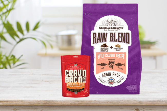 New raw-coated cat kibbles and bacon dog treats from Stella & Chewy's