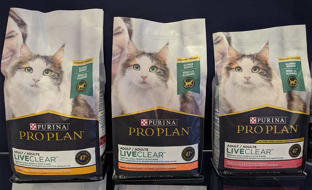 Purina LiveClear cat food to reduce allergies
