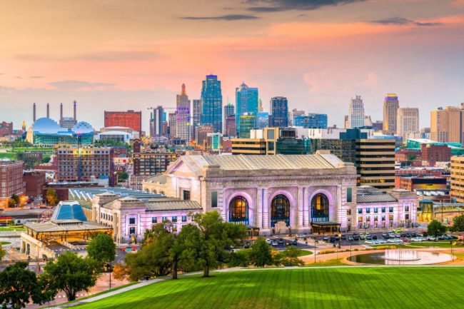 Kansas City skyline (©STOCKR - STOCK.ADOBE.COM)