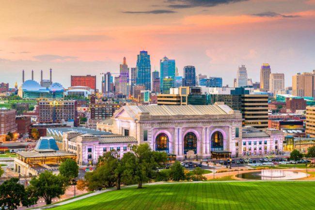 Kansas City skyline (©STOCKR - STOCK.ADOBE.COM)