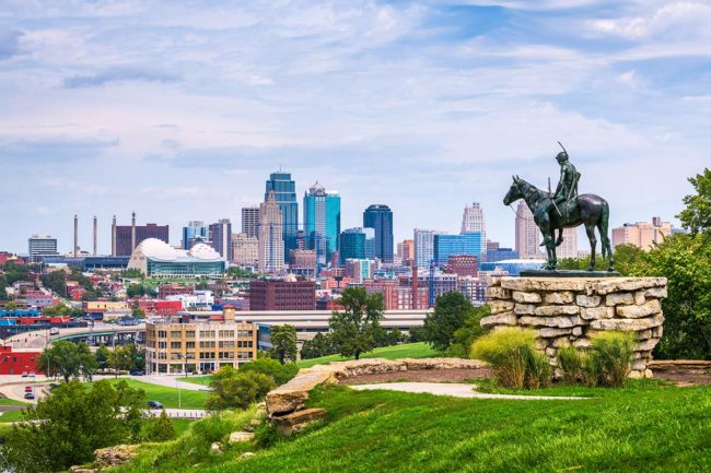 Kansas City, MO skyline (©STOCKR - STOCK.ADOBE.COM)