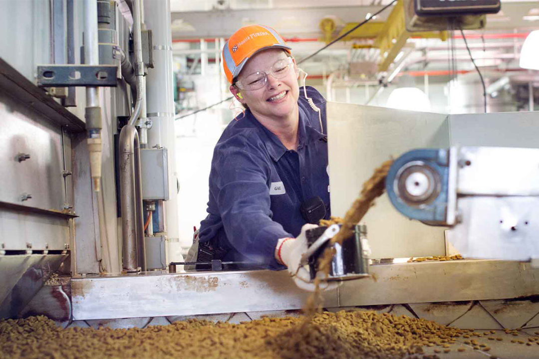 Purina hosts Women in Manufacturing Day in Iowa to encourage, educate and empower