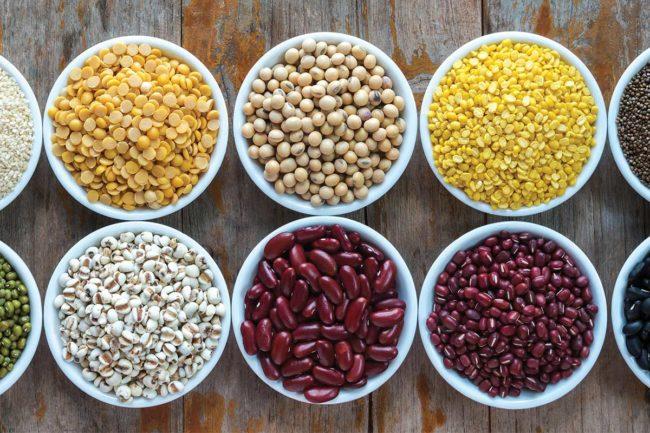 Grains in bowls (©STOCKR - STOCK.ADOBE.COM)