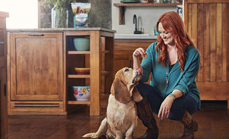 Ree drummond with dog lead